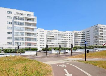 3 bed flat for sale in Marine Drive, Brighton, East Sussex BN2