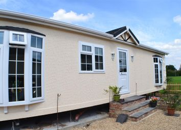 Thumbnail 1 bed mobile/park home for sale in West End Road, Mortimer Common, Reading