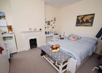 Thumbnail 1 bed flat to rent in Cazenove Road, Stoke Newington, London