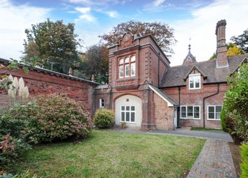 Thumbnail 4 bedroom flat to rent in Lythe Hill Park, Haslemere