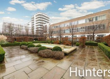 2 bed flat for sale in Great West Road, Brentford TW8