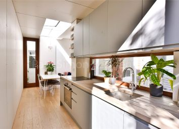 2 bed flat for sale in Boundary Road, London N22