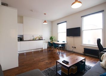 Thumbnail 1 bed flat to rent in Shaftsbury Road, Finsbury Park