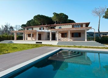 Thumbnail 7 bed property for sale in 55045 Pietrasanta Lu, Italy