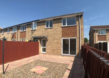 Thumbnail 3 bed town house for sale in Hillcrest Avenue, Featherstone