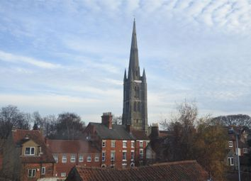 Thumbnail 2 bed flat for sale in Watergate, Grantham