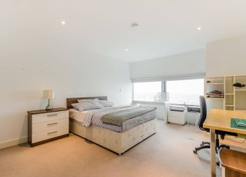 Thumbnail 3 bed flat for sale in Landmark East Tower, Canary Wharf