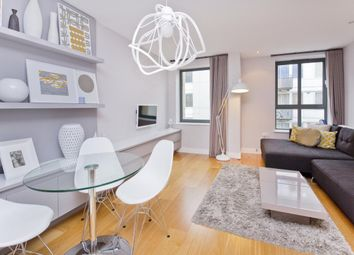 Thumbnail 2 bedroom flat to rent in Gifford Street, London