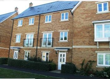 Thumbnail 4 bed town house to rent in Portland Avenue, Old Town, Swindon