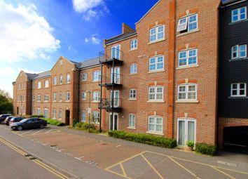 2 bed flat to rent in Summers House, Aylesbury, Bucks HP21