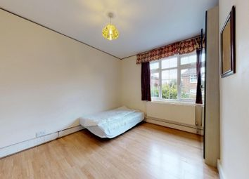 3 bed maisonette to rent in Godley Road, London SW18