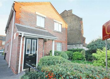 Thumbnail 2 bedroom detached house to rent in Amelia Close, London