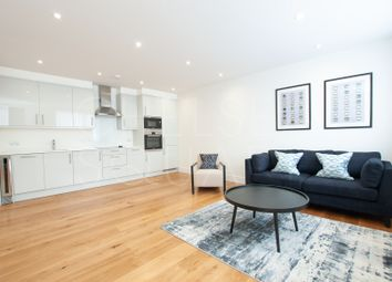 Thumbnail 2 bed flat to rent in Park Avenue, Bushey, Hertfordshire