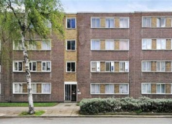 Thumbnail 1 bed flat for sale in Cygnet House, London, London