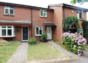 2 bed detached house to rent in Simons Close, Tilehurst, Reading RG31