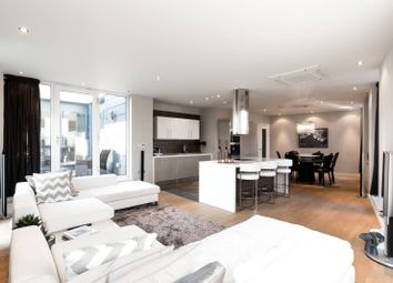 Thumbnail 2 bed flat to rent in Palace Place, Victoria