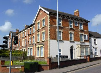 Thumbnail 1 bed flat to rent in Clifton Terrace, Taunton