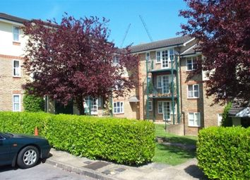 Thumbnail 1 bed flat to rent in Alexandra Park, High Wycombe, Bucks