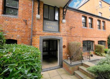Thumbnail 1 bedroom flat for sale in Crispin Place, Wallingford