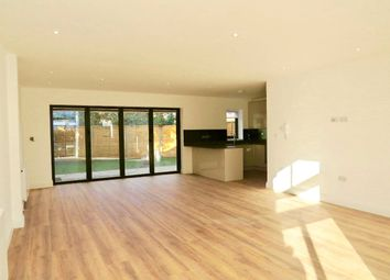 Thumbnail 2 bed property to rent in Edeleny Close, East Finchley, London
