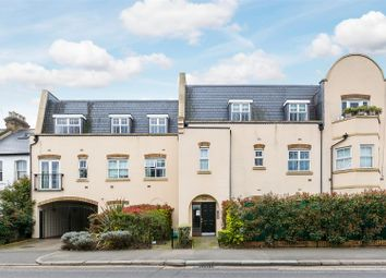 Broomcroft Court, London W4. 2 bed flat