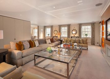 Thumbnail 6 bed flat for sale in Lowndes Square, London
