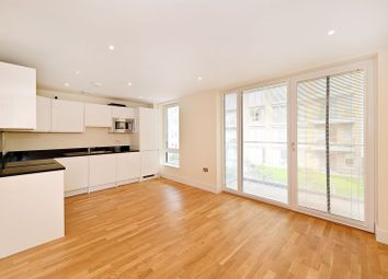 St. Annes Street, London E14. 3 bed flat