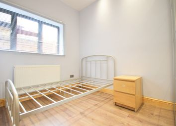 Thumbnail Room to rent in Chatsworth Gardens, Acton Central, London