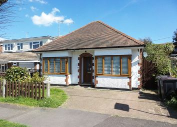 Thumbnail 2 bedroom detached bungalow to rent in Creswick Avenue, Rayleigh