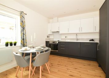 High Street, Strood, Rochester, Kent ME2. 2 bed flat
