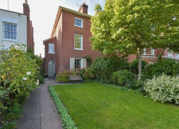 St. George's Square, Worcester, Worcestershire WR1. 4 bed semi-detached house