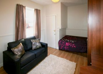 Thumbnail 1 bedroom flat to rent in Flat 4, 63 Brudenell Road, Hyde Park