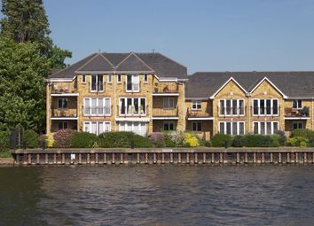Thumbnail 2 bed flat to rent in Swan Walk, Shepperton, Middlesex
