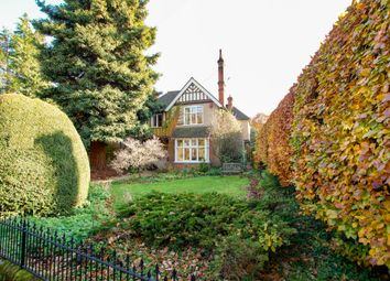 4 bed detached house for sale in Cricket Green Lane, Hartley Wintney, Hook RG27