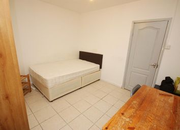 Room to rent in Old Oak Common Lane, East Acton, London W3