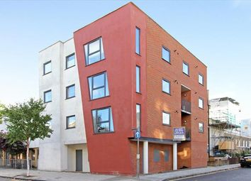Thumbnail Leisure/hospitality to let in Crescent Lane, Lyham Road, London