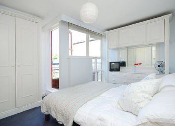 2 bed maisonette for sale in Wharf Road, Islington, London N1