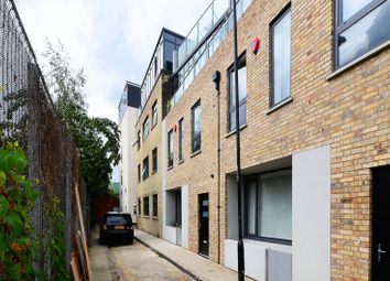 Thumbnail 3 bed flat to rent in Flintlock Close, Aldgate