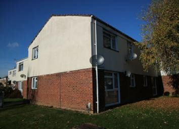 Thumbnail 1 bed flat to rent in Greystoke Road, Slough, Berkshire.