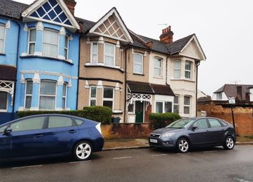Thumbnail 3 bed flat to rent in Elmsworth Avenue, Hounslow