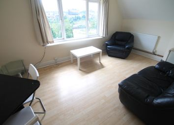 Thumbnail 2 bedroom flat to rent in Crescent Road, Luton