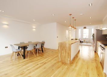 Thumbnail 3 bed flat to rent in Lavender Gardens, London