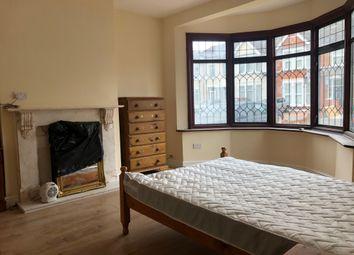 Castleton Road, Ilford IG3. Room to rent