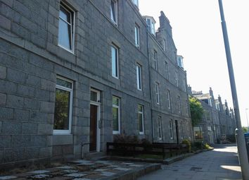 3 bed flat to rent in Esslemont Avenue, Aberdeen AB25