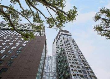 Thumbnail 1 bed flat for sale in Talisman Tower, 6 Lincoln Plaza, Canary Wharf, London