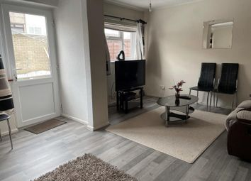 3 bed property to rent in Oldwyk, Basildon SS16
