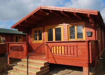 Thumbnail 2 bedroom chalet to rent in Evesham Road, Offenham, Evesham