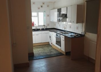 Thumbnail 5 bedroom flat to rent in Cherry Orchard Road, Croydon