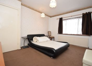 Room to rent in Parham Drive, Gants Hill IG2