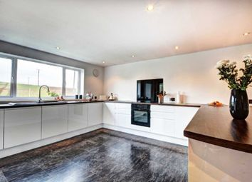 Thumbnail 5 bedroom detached house for sale in Meadow View, Marlow